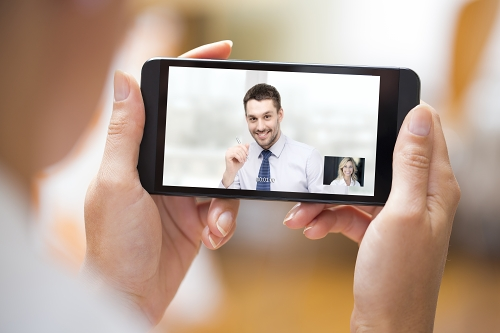 Videokonferenci lze používat i přes telefon či tablet